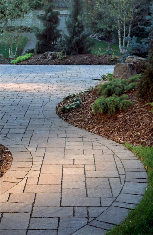 Pavers and wall block harken 39 s landscape supply garden for Belgard urbana pavers